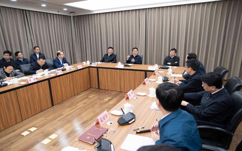 韩正在住房和城乡建设部调研并主持召开座谈会