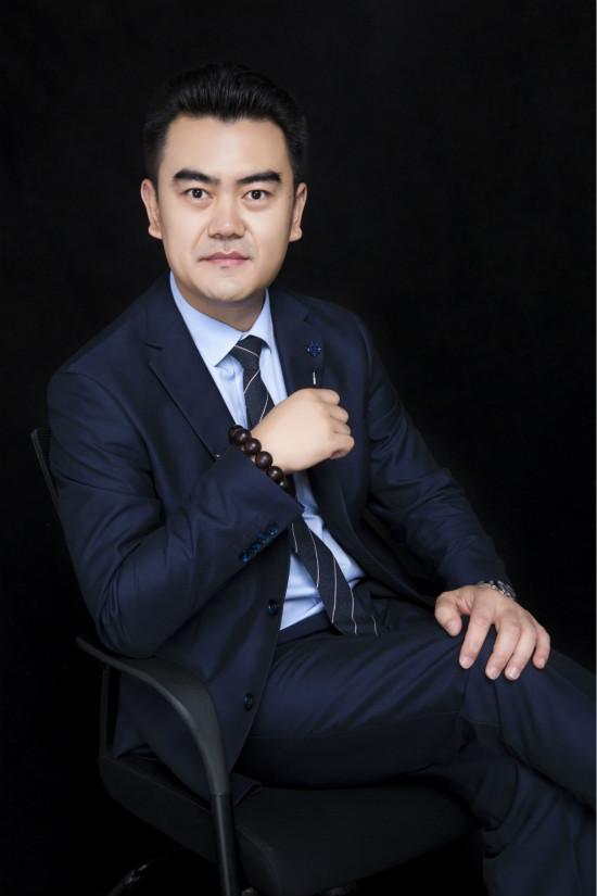 济南万科物业总经理 赵振东_meitu_7.jpg