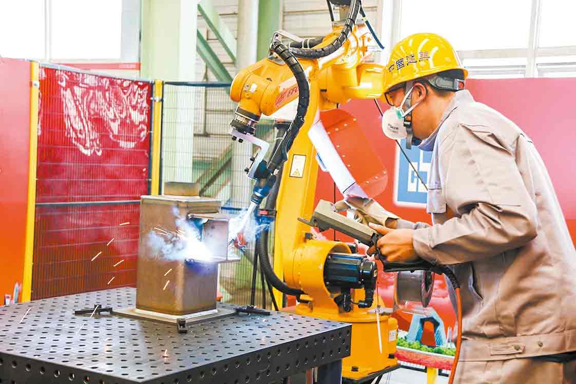 提升钢结构智能制造水平垫上一块基石——全国钢结构焊接职业技能(焊接机器人操作工)竞赛走笔