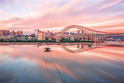 重庆:建设高颜值城市 乐享高品质生活