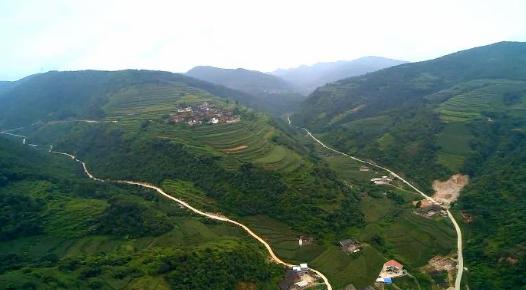 """""""再没有比这更好的啦"""" ——云南3年让约500万农村贫困群众住上放心房"""