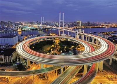 上海:壮丽七十年 春满浦江城