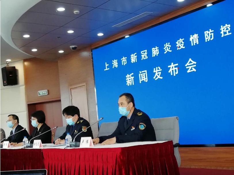 上海城管督促逾万家沿街商户整改防疫措施