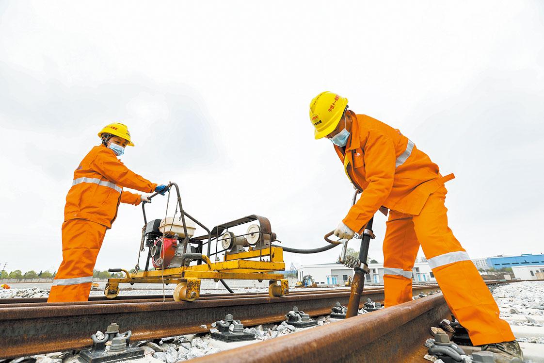 武汉地铁建设稳步推进