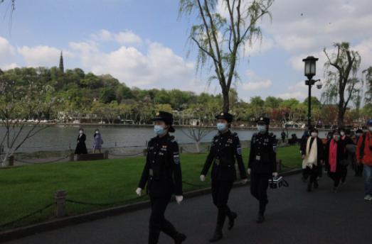杭州: 对西湖景区有序管理