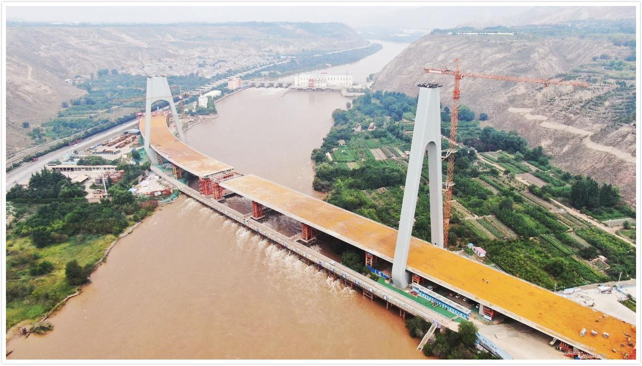 兰州柴家峡黄河大桥顺利合龙