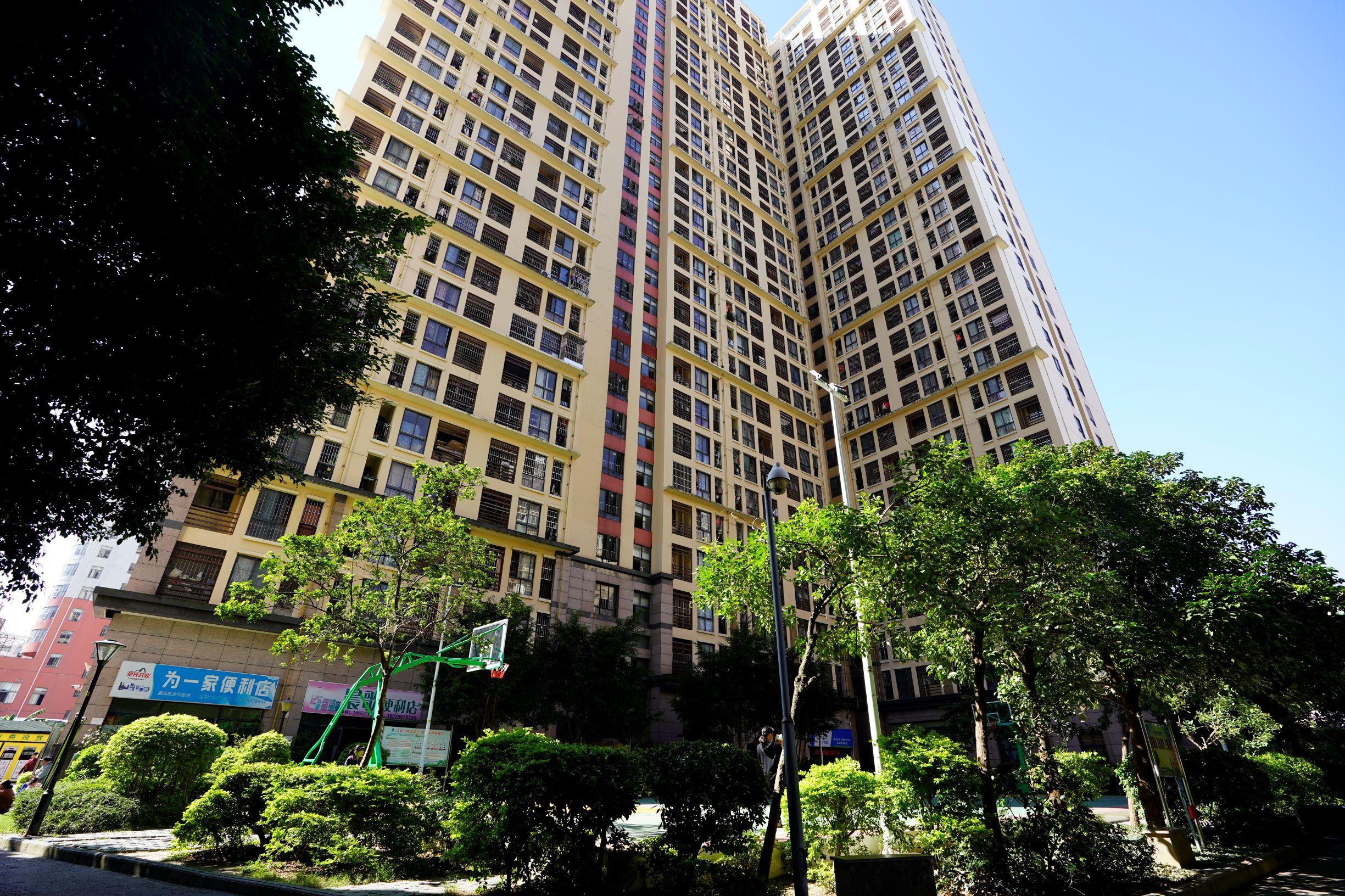 南宁市环卫公寓建设有中心球场.JPG