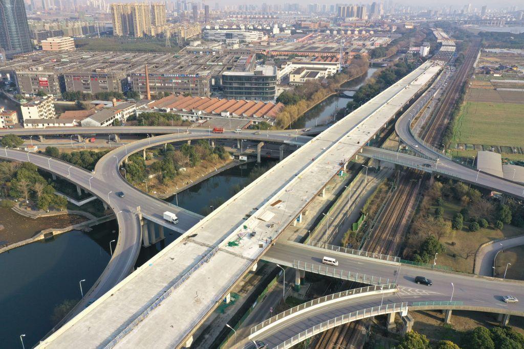 2022年杭州亚运会配套工程建设取得新进展  ——中建八局绍兴二环北路智慧快速路项目基本实现高架主体结构全线贯通