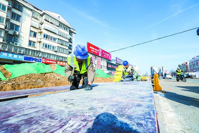 江苏:加快道路改造 方便市民出行