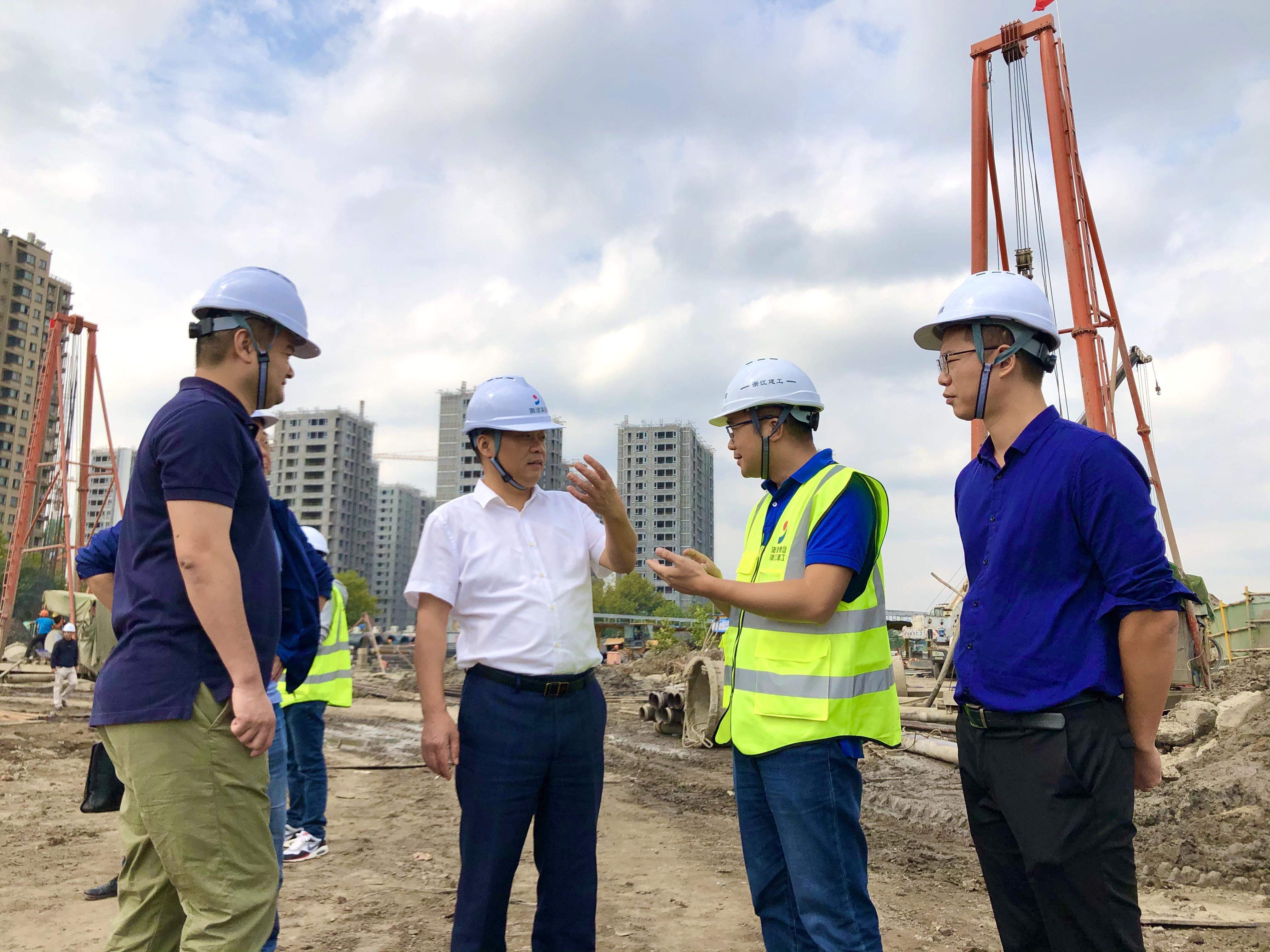 项目长在全省首批未来社区试点创建项目——始版桥未来社区项目蹲点指导.jpg