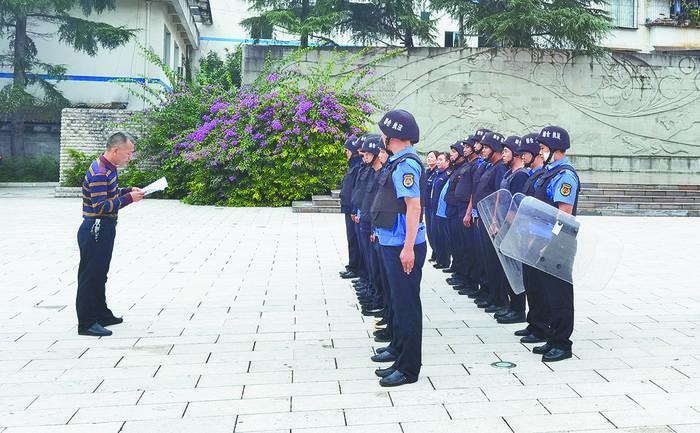 党建引领强队伍 为民服务解难题